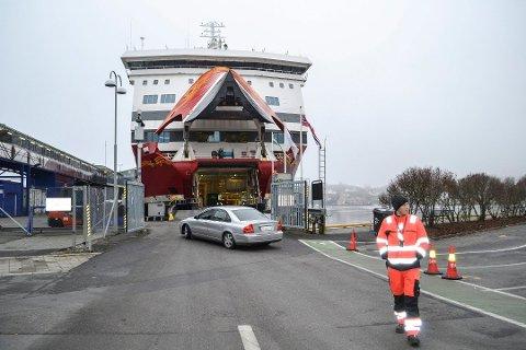 BYGGES OM: Fjord Line bygger om baugpartiet for å tilpasse MS Oslofjord til ny rampe i Sandefjord. Samtidig utvides taxfree-avdelingen med 650 kvadratmeter. Foto: Paal Even Nygaard