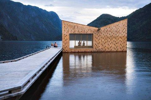 PLASSERT I FORHOLD TIL LANDSKAPET: - Vi har bygget badstuen slik at man får maks uttelling av landskapet rundt, forteller David Fjågesund fra Feste Landskap / Arkitektur i Porsgrunn.