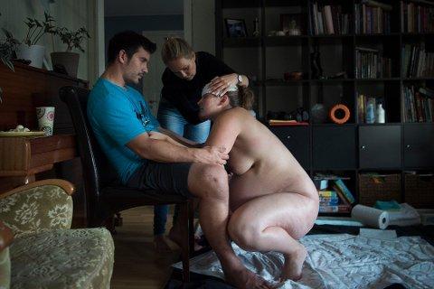 MAMMAHJERTET: Kristina Jacobsen tror på kvinners naturgitte kraft til å føde sitt barn. Foto: Eva Rose