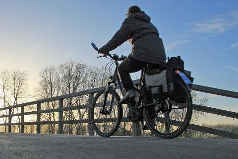 Vinter: Med kaldere temperaturer i anmarsj, stilles det flere og strengere krav til elsykkelen. Nå anbefales det å sjekke sykkelen før det er for sent. Foto: Colourbox