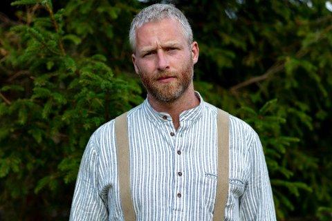 Det ble et kort opphold på torpet Brauter for Andreas Nørstrud fra Notodden. Han tror det var guds vilje at han ble sendt hjem fra gården. Foto: TV2