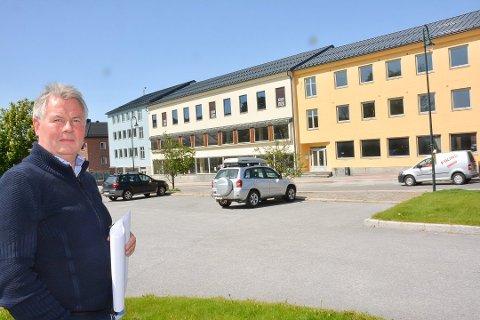 KJØPESENTRE: Magne Modalsli er involvert i en  kjøpesenterkrangel i Sandefjord. På Notodden har utviklingen - bortsett fra en malejobb - stått stille siden 2013.
