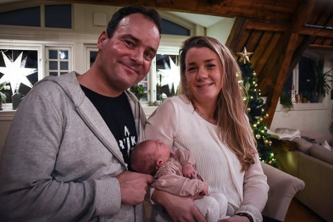 JULELYKKE: Det blir en helt spesiell jul for Olav Rønneberg (47) og kona Gina (29). Foto: Siw Nakken