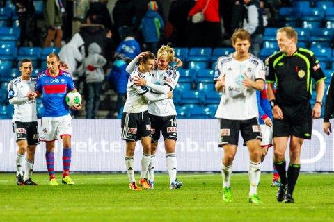 ODD-JUBEL: Snorre Krogsgård og Elba Rashani scoret målene og jublet for seier i Oslo i 2013.   Foto: Fredrik Varfjell / NTB scanpix
