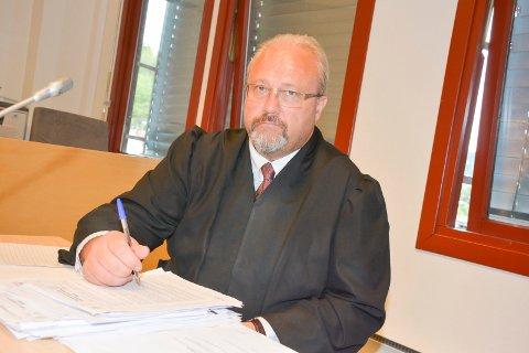 FORSVARER: Advokat Jonny Sveen var forsvarer for 18-åringen, som ble frifunnet i Agder lagmannsrett.