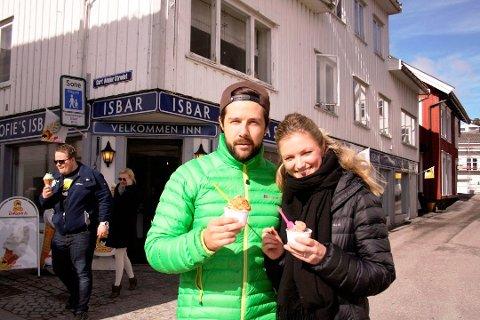 HAR KJØPT HUS: Didrik Solli Tangen og Angelica Omre flytter innen sommeren til Heistad hvor de har kjøpt seg hus. (FOTO:VIVI SÆVIK/PD)