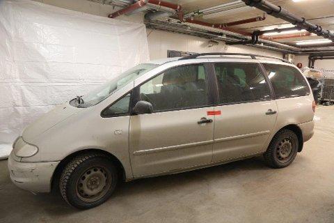 Bilen: Den drapssiktedes bil, en eldre Volkswagen Sharan.