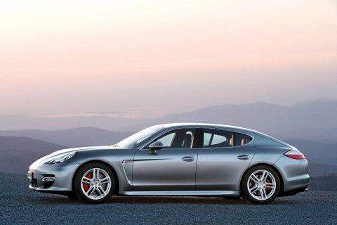 DÅRLIG DEAL: Porschen som ble kjøpt i Norge for nesten 700 000 kroner, ble solgt i Spania for 15 000 euro, som er rundt 150 000 kroner.