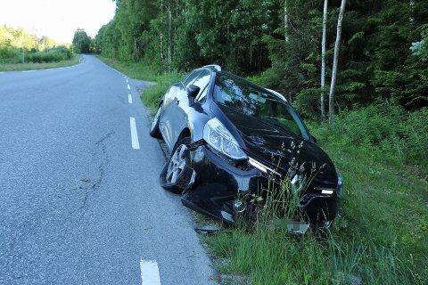 I GRØFTA VED DALSVATN: Sjåføren var på vei hjem til Akkerhaugen etter jobb, da han skal ha blitt presset av veien av en drosjesjåfør.