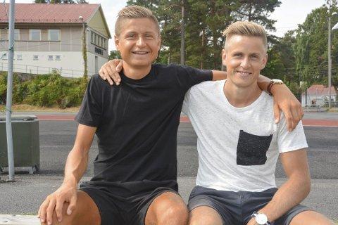 Brødrene Andreas (t.v.) og Thomas Grøgaard er også gode kamerater, som alltid finner tilbake til hjembyen Kragerø.