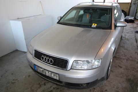 AUDI: En av de tre bilene i politiets beslag. Fire av de tiltalte brukte denne Audien som transportmiddel under ferden. Foto: Politiet