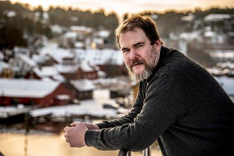 Store gjeldsproblemer: Geir Karlsen (38) hadde på det meste 800.000 kroner i forbruksgjeld. Nå jobber han hardt for å betale ned gjelden, og håper å få en fast jobb igjen. Foto: Geir A. Carlsson