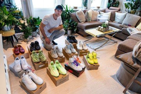 EKSKLUSIV SAMLING: Victor Sørum tjener penger på å importere sneakers som nesten ikke er mulig å få tak i. Han har rundt 17 par som han nå skal selge ut på markedet. Foto: Remi Presttun