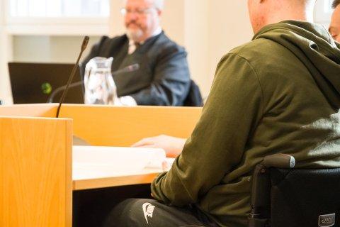 ERSTATNING: Alexander Farmen er lam og sitter i rullestol etter volden han ble utsatt for. I tingretten fikk han 600.000 kroner i erstatning, men i ankesaken utfordret voldsmannens forsvarer nivået på erstatningen og argumenterte for at den måtte settes ned. Foto: Arkivfoto: Elisabeth Løsnæs