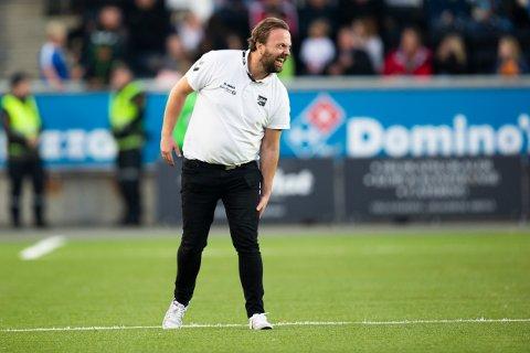 EN HJELPENDE HÅND: Odd og Einar Håndlykken skal være villige til å hjelpe Gjerpen med det som kan ende med en ny spiller håndballklubben.