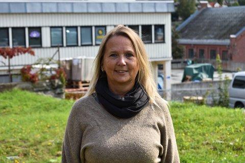 VIL JOBBE MER: Christina Lindgaard mister dagpengene hvis hun jobber mer enn 8,5 timer i uka. – Det er ikke rart at folk velger å sitte hjemme i stedet, sier hun.