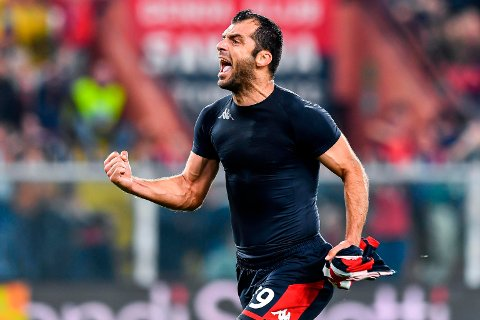 Genoa's Goran Pandev celebrates after scoring a goal during the Italian Serie A soccer match Genoa CFC vs Brescia Calcio at the Luigi Ferraris stadium in Genoa, Italy, on Saturday, Oct. 26, 2019. (Simone Arveda/ANSA via AP)
