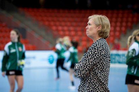 FRISTILLER: Styret i Larvik Håndballklubb og leder Cathrine Svendsen fristiller alle ansatte i klubben med umiddelbar virkning og innfører betalingsstopp. (Arkivfoto: Joachim Hellenes)
