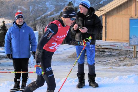 LENGE I TETGRUPPA: Torsdag gikk Gunnulfsen inn til 10. plass på den klassiske 15 kilometeren i NM i Meråker. Lørdag fultge han med tetgruppa helt inn til skibytte halveis under 30-kilometeren, men på slutten av skøytedelen røynet det på og han falt ned til 27. plass i NM.