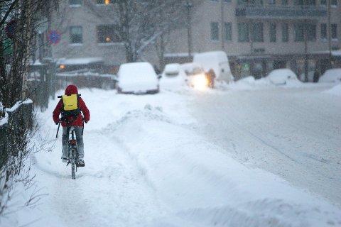 TROSSER SNØ: Fredag er den internasjonale vintersykkeldagen.