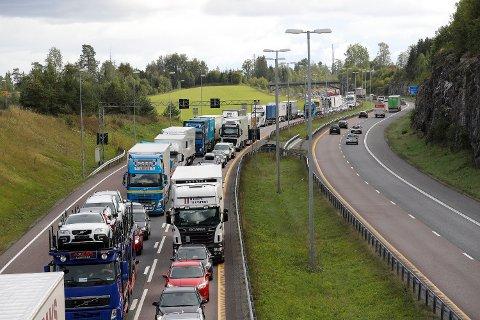 Over 30.000 kjøretøy er fortsatt uten forsikring, til tross for at eierne mottar bøter på 150 kroner dagen. Foto: Erik Johansen / NTB scanpix Foto: (NTB scanpix)