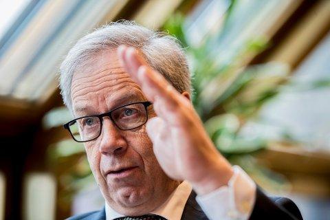 SSB tror Norges Bank vil sette opp styringsrenta fire ganger fram mot slutten av 2022, og at den da vil være ett prosentpoeng høyere enn i dag. Her er sentralbanksjef Øystein Olsen fotografert i forkant av sin årlige tale i midten av februar. Foto: Vidar Ruud / NTB scanpix