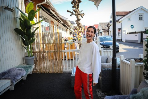 INSPIRERT: – Det er inspirerende at det er så mange sterke, flinke damer som driver i Stavern, sier Karin Dogra. Nå blir hun selv blitt en av dem. Foto: Sigrid Ringnes