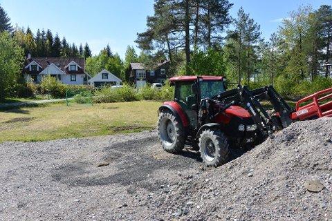 STRID OM LEKEPLASS: Breidablikk vel og grunneier Holta strides nå om bruken av denne lekeplassen i Tårnfjellvegen.