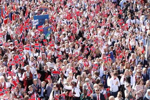 SE BILDENE: TA har funnet frem bilder fra tidligere 17. mai-feiringer. Her feires nasjonaldagen i Skien 2019. Foto: Per-Åge Eriksen