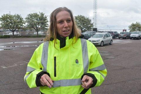 MÅ TÅLE FOTOGRAFERING: Trafikkbetjenter kan ikke nekte å bli fotografert, slår Sivilombudsmannen fast. – Vi tok feil og har beklaget, sier Anne-Kathrine Skaugvold, driftsleder i parkeringstjenesten i Horten kommune. Foto: Ralf Haga