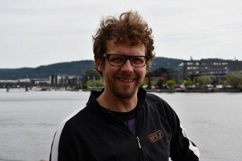 PYROTEKNIKER: Olav Hanto er pyrotekniker og er vant til å forsvare bransjen som har hatt en skikkelig oppvask de siste årene.