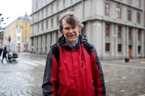 HAR SETT DE UTROLIGSTE NAVNEFORSLAG: Ivar Utne er navneforsker ved Universitetet i Bergen. Foto: Aina Fladset