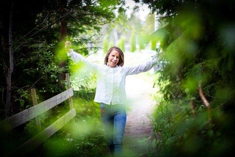 FIKK LIVET TILBAKE: Christine Holten fikk nytt liv med ny medisin mot migrene. Nå håper hun at at medisinen kommer på blå resept. Foto: Lisbeth Lund Andresen