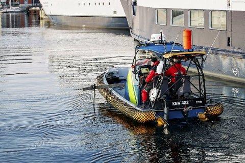 Det ble søkt i vannet etter savnede Eirin. Foto: Anders Bjurö/TT