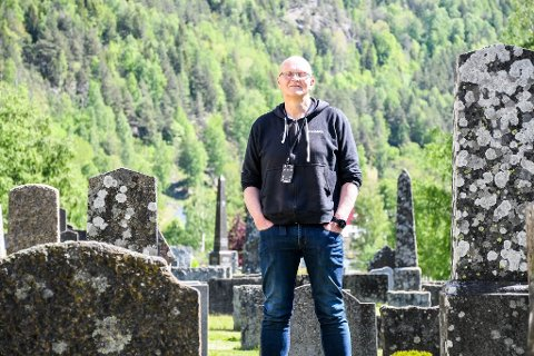 KRISETEAM: Eilev Erikstein (60) er prostdiakon i Øvre Telemark prosti. De 30 siste årene har han sittet i kriseteamet til fem kommuner i Vest-Telemark – Tokke, Vinje, Nissedal, Kvitseid og Fyresdal.