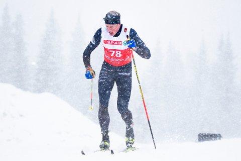 Beitostølen 20201121.  Mikael Gunnulfsen under 15 km klassisk for menn på Beitostølen. Foto: Terje Pedersen / NTB