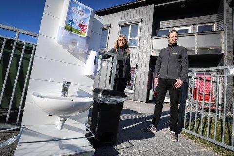SMITTE: Maurtua barnehage i Skien har fått påvist smitte onsdag. Styrerne Edle Iversen og Nicolas Sjøgren har sendt ut tekstmelding til foresatte.Foto: Thomas Furuheim