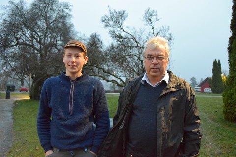 BESTÅR: En treårig agronomutdannelse vil fortsatt bestå på Søve til glede Ola Holte Aarø og Anders Hjelseth.