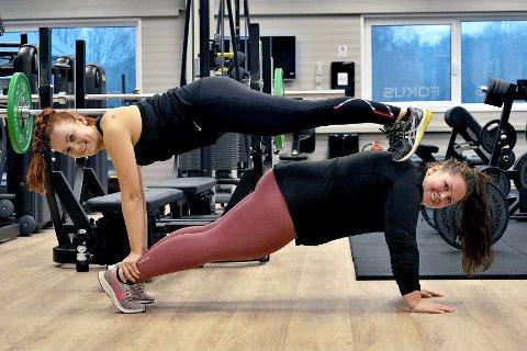 Svigerinnene Elisa Sagen Bjørvik og Emilie Fossas Andersen sier de er jenter som heier på jenter. De er ikke ute etter det perfekte instagrambildet. De ønsker å skape treningsglede.
