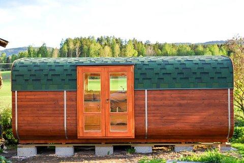 LITE: Minihuset som Veronika Tomkova selger er 14 kvadratmeter stort.