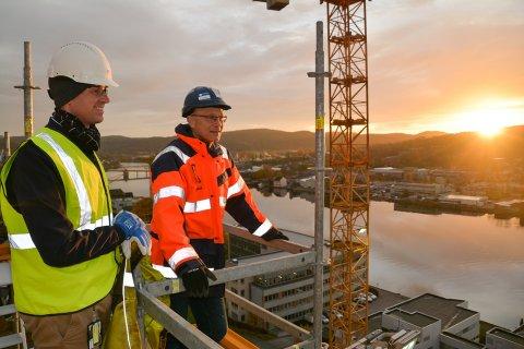 SVEKKET: Deler av arbeidsstaben er svekket for prosjektet Powerhouse Telemark. Det kan by på forsinkelser for millionprosjektet til R8. Bjørnar Haukstad (t.v) og Per Arthur Larsen er imidlertid ikke bekymret.