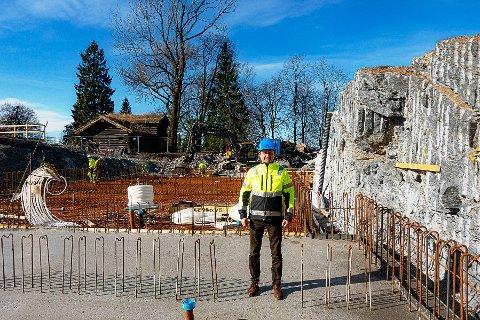 I RUTE: - Til tross for krisa er nybygget i rute, forsikrer prosjektleder Bjørn Rudborg.