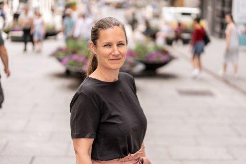 ADVARER: Generalsekretær, Randi Hagen Eriksrud, sier at mange barn opplever foreldres alkoholforbruk som utrygt. Foto: Av og til