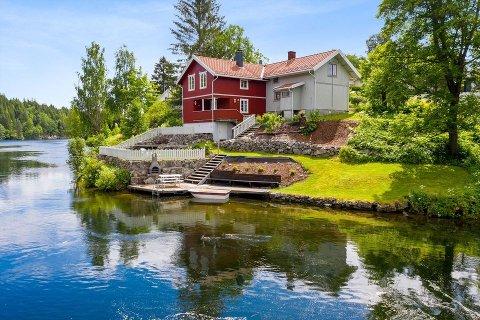 IDYLL: Det er stor interesse for eiendommer langs Telemarkskanalen, forteller eiendomsmegler Kristin Hyni Bakken fra DNB Eiendom i Skien.