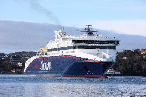 STOPPET: En passasjer om bord på Larvik-fergen ble stoppet med nærmere en kvart million kroner i kontanter. Foto: Tor Erik Schrøder (NTB scanpix)