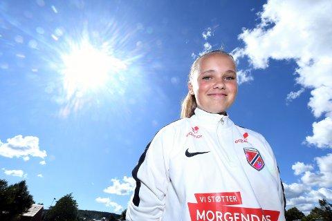 MÅLFARLIG: June Bentsen er tatt ut på J15-landslaget under årets talentleir for jenter i Porsgrunn.