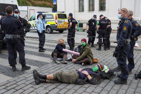 KLIMAKTIVISTER: Bilde fra demonstrasjonen i Oslo mandag.