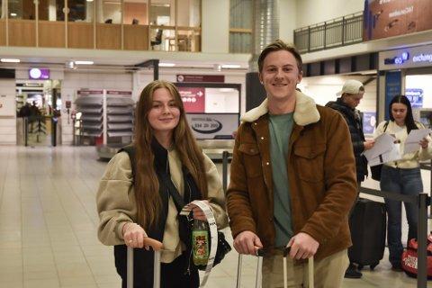 POLENTUR: Aurora Johanna Rosse (18) og Henrik Hagen (19) bestilte helgetur til Warszawa så fort reiserådet til UD ble avviklet. Foto: Ivar Benjamin Østebø
