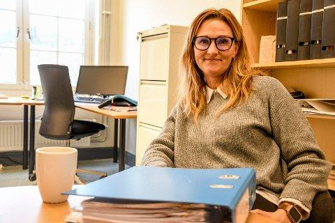 ANSETTER: Tonje Byholt, barnevernsleder i Notodden og Hjartdal, og de andre barnevernslederne i Telemarksamarbeidet er nå i ferd med å ansette nye medarbeidere til det nye ressursteamet.