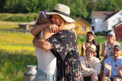 FØRSTE JENTE UT: Signy Fardal ble første jente denne sesongen som måtte forlate «Farmen».  Foto: TV 2